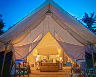 hotel-entrance-tents